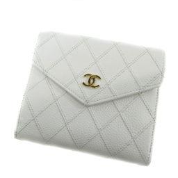 シャネル マトラッセ 二つ折り財布(小銭入れあり)レディース