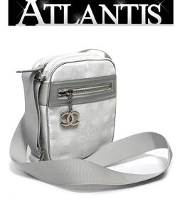 Extreme Beauty Rare Chanel CHANEL Neutra Diagonal Mini Shoulder Bag Pochette Silver