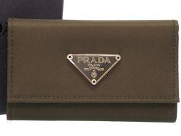 プラダPRADA 三角プレート M222 キーケース ナイロン/ナイロン カーキ 0350 メンズ