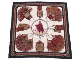 エルメスHERMES カレ90 砂漠の首飾り euirs du desert スカーフ シルク/シルク ホワイト 0036 ユニセックス
