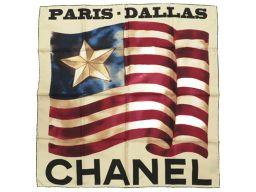 シャネルCHANEL PARIS・DALLAS 旗 フラッグ スカーフ シルク/シルク アイボリー 0050 ユニセックス