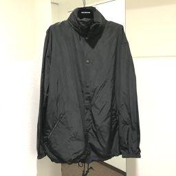 BALENCIAGA バレンシアガ   571437 アノラック タグ有 フード付き ゴシックロゴ 刺繍 アウター ポリエステル ブラック ブラック メンズ