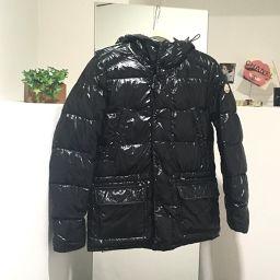 MONCLER モンクレール  アパレル メンズジャケット ハリウッド ダウンジャケット ブラック メンズ【中古】