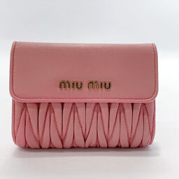 <html>    <body>   MIUMIU ミュウミュウ 二つ折り財布 5ML002 マテラッセ レザー ピンク【中古】 レディース  </body> </html>